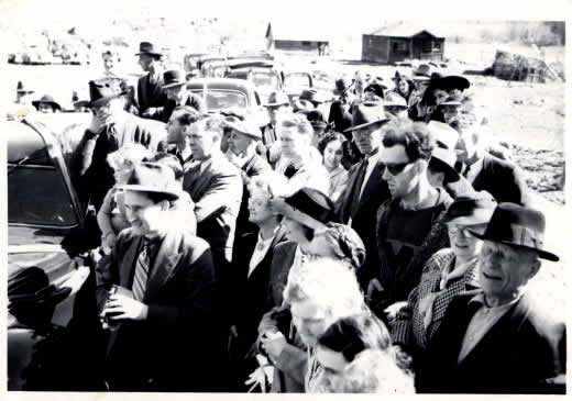 Piovono Alieni Governo Ladro British Columbia 1941
