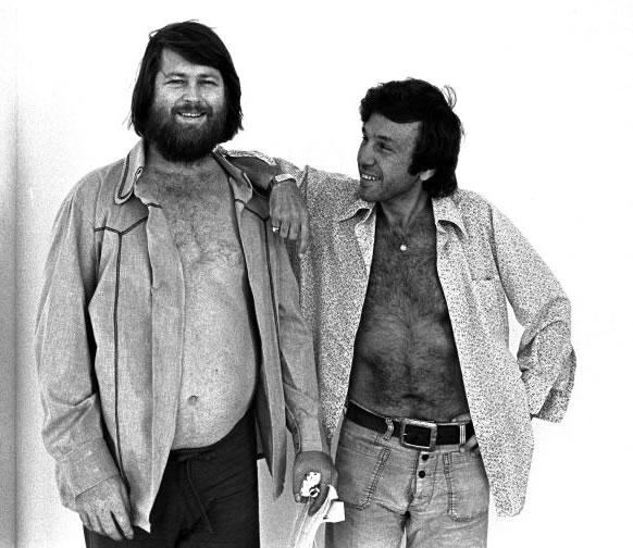 La Casa Accanto Landy a destra con Brian Wilson 1976