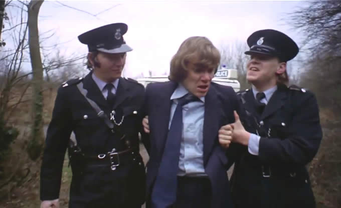 Stato Crepuscolare Orientato Alex e Drughi Poliziotti